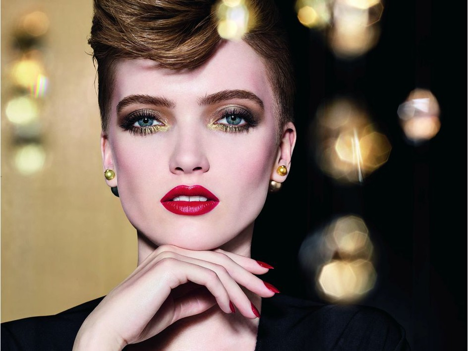 Celebrity makeup artist Ricky Wilson shares tips to shine this holiday season