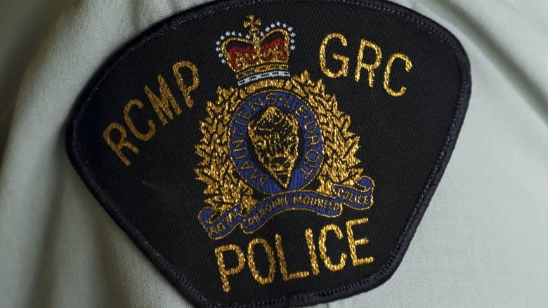 Victoria woman arrested for allegedly threatening to stab B.C. Ferries staff after attempted robbery